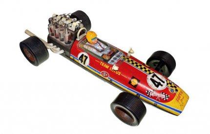 Toy racing car